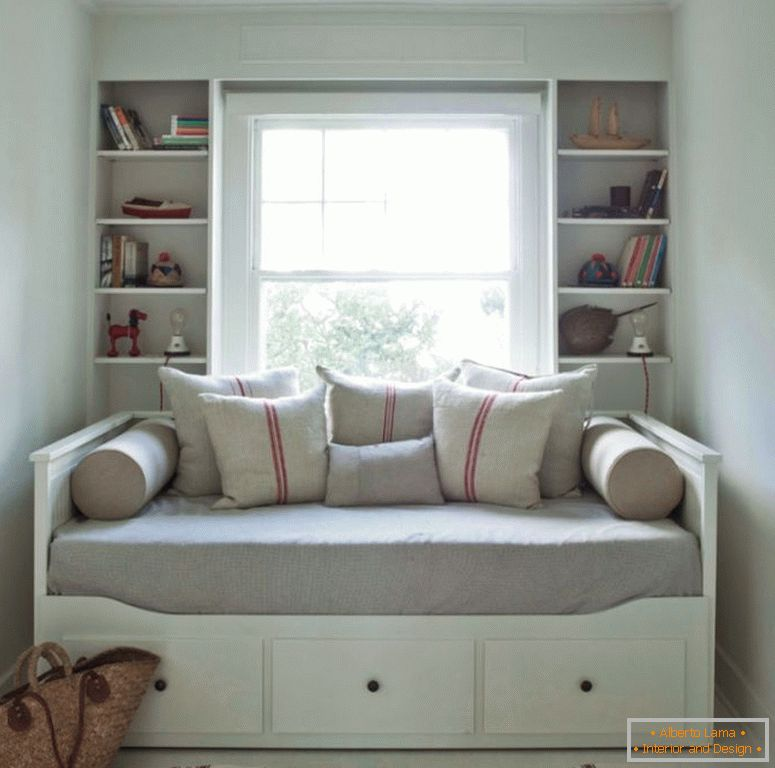 narrow_bedroom_2017-daybed decorare-idei-daybed-r